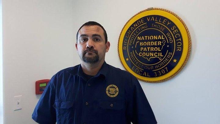 Chris Cabrera, est un des porte-parole du National Border Patrol Council, le syndicat des 18000 patrouilleurs aux frontières américaines, qui a soutenu Donald Trump avant son élection. (MATHILDE LEMAIRE / RADIO FRANCE)