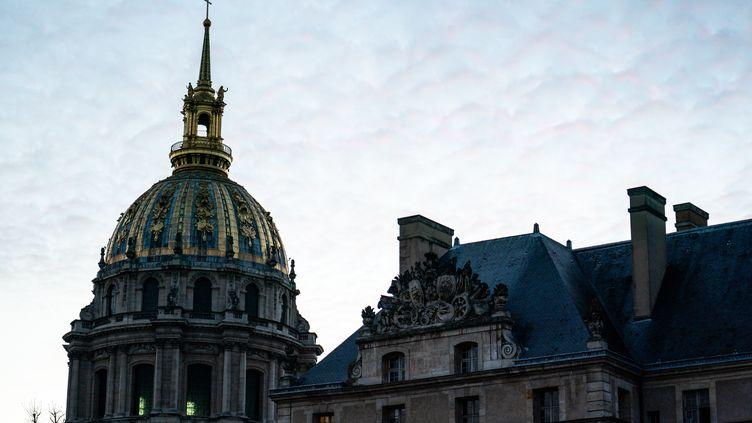 Le dôme de la cathédrale Saint-Louis-des-Invalides, à Paris, le 19 novembre 2020. (XOZE BOUZAS / HANS LUCAS)