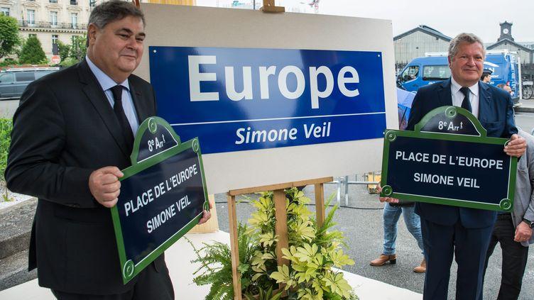"""Une place et une station de métro ont été renommées """"Europe - Simone Veil"""", à Paris le 29 mai 2018. (MAXPPP)"""
