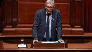 Pierre Laurent s'exprime à la tribune du Congrès de Versailles (Yvelines), le 9 juillet 2018. (LUDOVIC MARIN / AFP)