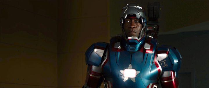 """L'acteur américain Don Cheadle dans le film """"Iron Man 3"""", sorti en 2013. (DMG ENTERTAINMENT / ILLUSION ENT)"""