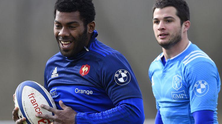 Brice Dulin et Noa Nakaitaci à l'entraînement chez les Bleus (FRANCK FIFE / AFP)