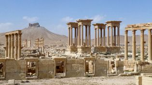 Palmyre le 27 mars 2016, après que le gouvernement a repris le contrôle du site. Le tétrapyle a depuis été détruit par l'EI.  (Maher Al-Mounes / AFP)