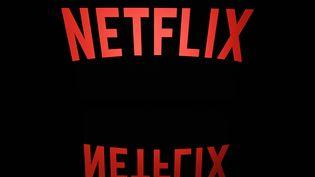 Le logo de Netflix photographié le 19 avril 2018. (LIONEL BONAVENTURE / AFP)