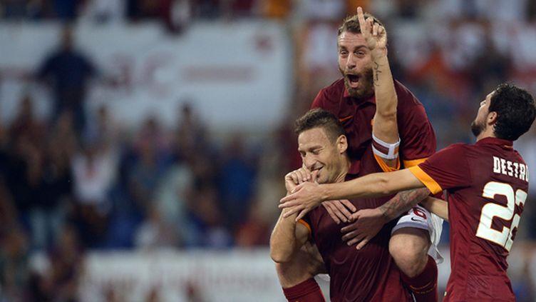Les Romains fêtent leur joueur emblématique Francesco Totti (FILIPPO MONTEFORTE / AFP)