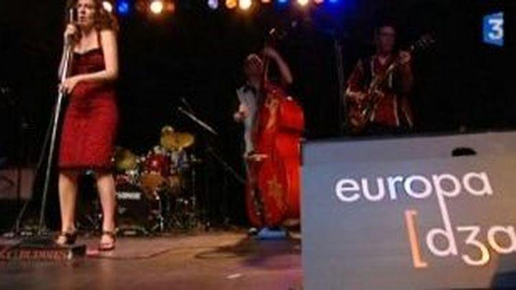 Lazy Buddies, Alex De Vree et Roland Tchakounte rythment la Nuit de l'Euroblues  (Culturebox)