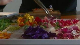 Gastronomie : les fleurs comestibles ont envahi les cuisines des grands chefs (france 2)