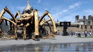 L'araignée géante Kumo marche sur Nantes, vendredi 8 juillet 2016.  (Eddy Lemaistre / PhotoPQR Ouest-France /MAXPPP)