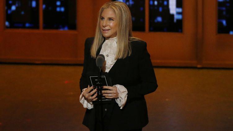 Barbra Streisand,lors d'une cérémonie à New York (Etats-Unis), le 12 juin 2016. (LUCAS JACKSON / REUTERS)