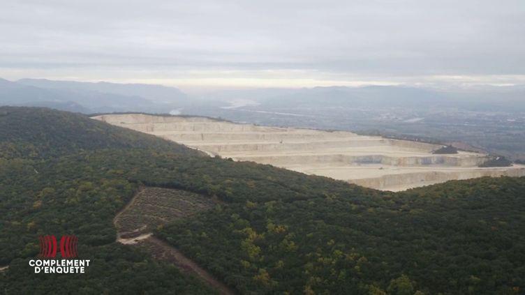 Complément d'enquête. Une carrière du cimentier Lafarge a-t-elle pu déclencher le séisme qui a frappé l'Ardèche en 2019 ? (COMPLÉMENT D'ENQUÊTE/FRANCE 2)