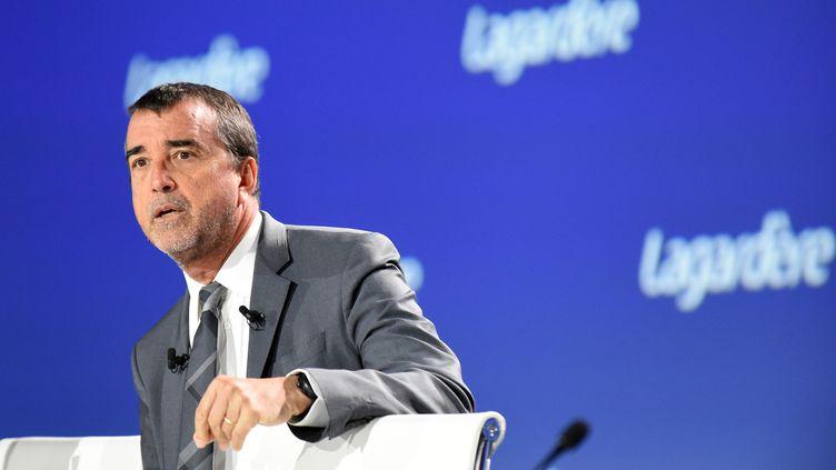 Contesté par son premier actionnaire, Arnaud Lagardère se prépare à une assemblée générale houleuse. (ERIC PIERMONT / AFP)