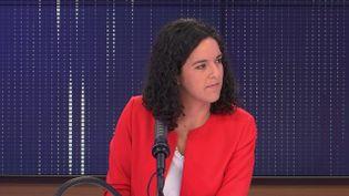 """Manon Aubry, députée européenne La France insoumise, était l'invitée du """"8h30 franceinfo"""", samedi 25 septembre 2021. (FRANCEINFO / RADIOFRANCE)"""