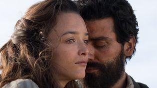 """Charlotte Le Bon et Oscar Isaac réunis dans """"La promesse"""" de Terry George  (capelight pictures / Jose Haro)"""