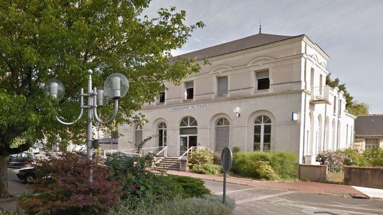 Le commissariat de police de Joué-lès-Tours (Indre-et-Loire), en août 2013. ( GOOGLE MAPS / FRANCETV INFO )