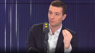 "Jordan Bardella, Vice-président du Rassemblement National, était l'invité du ""8h30 franceinfo"" mardi 3 mars. (FRANCEINFO / RADIOFRANCE)"