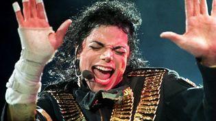Michael Jackson, le 1er septembre 1993 lors d'un concert à Singapour. (FILES / AFP)