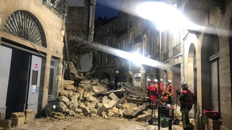 Deux immeubles se sont effondrés rue de la Rousselle à Bordeaux, le 21 juin 2021. (YVAN PLANTEY / RADIO FRANCE)