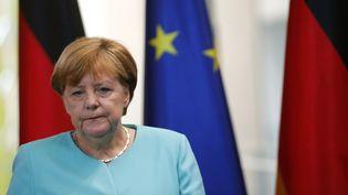 La chancelière allemande Angela Merkel le 24 juin 2016 à Berlin lors d'une déclaration sur le Brexit. (HANNIBAL HANSCHKE / REUTERS)