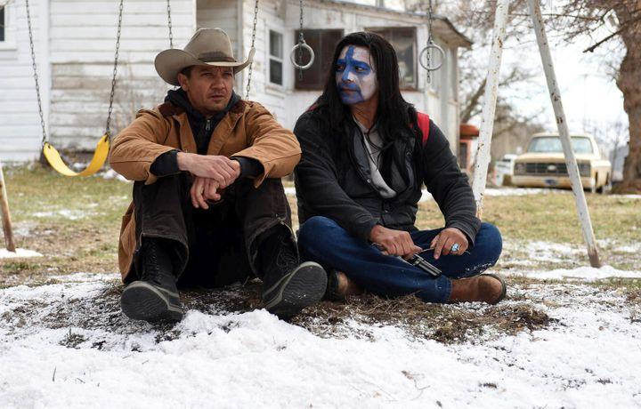 "Jeremy Renner et Jon Bernthal dans ""Wind River"" de Taylor Sheridan  (Metropolitan FilmExport)"