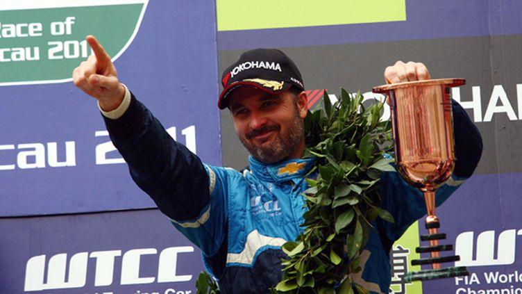 Yvan Muller (Chevrolet) sur la plus haute marche du podium en WTCC