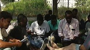 Des migrants africains à Paris. ( CAPTURE ECRAN FRANCE 3)
