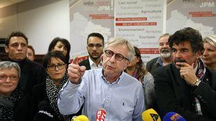 Le socialiste Jean-Pierre Masseret tient une conférence de presse le 8 décembre 2015 à Maizieres-les-Metz (Moselle), après le dépôt de sa liste pour le second tour des élections régionales. (FRED MARVAUX / AFP)