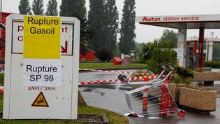 Une station-service en rupture de carburant, à Lille (Nord), le 22 mai 2016. (THIERRY THOREL / AFP)