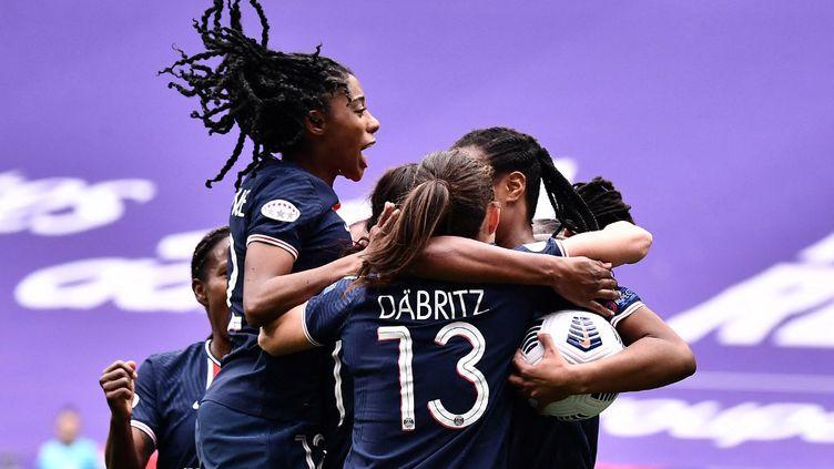 Le Paris Saint-Germain a renversé l'Olympique Lyonnais en quarts de finale de la Ligue des champions, dimanche 18 avril 2021.  (JEFF PACHOUD / AFP)