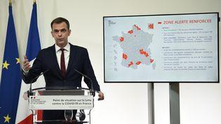 Le ministre de la Santé, Olivier Véran, lors d'une conférence de presse, le 23 septembre 2020. (ELIOT BLONDET / AFP)