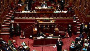Le Premier ministre Jean Castex devant le Sénat, à Paris, le 1er avril 2021. (MARTIN BUREAU / AFP)