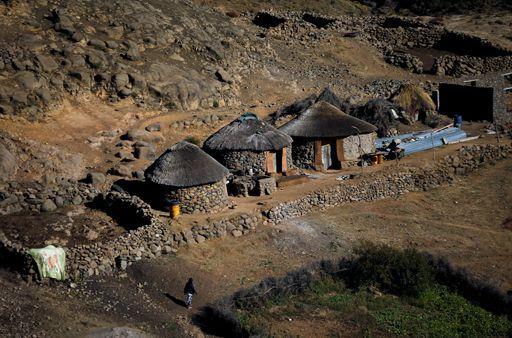 Dans le village de Ha Motjatji, près de Maseru, capitale du Lesotho. Photo prise le 3 juin 2017. (REUTERS - Siphiwe Sibeko)