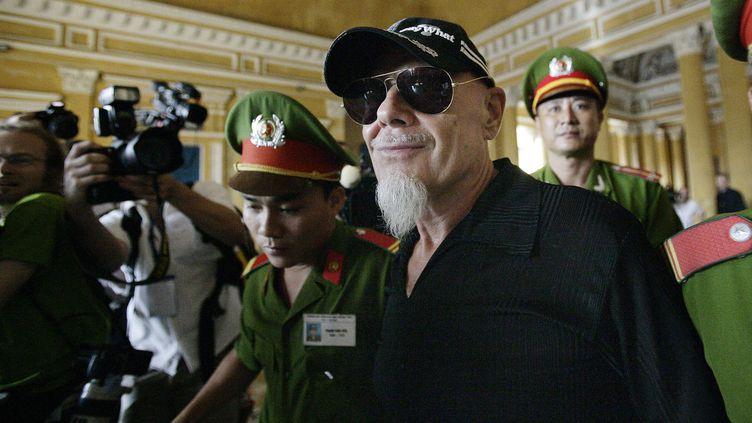 Gary Glitter à la Cour suprême à Ho Chi Minh ville, au Vietnam, le 15 juin 2006. ( SHAAM NEWS NETWORK / AFP)