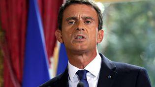 Le Premier ministre, Manuel Valls, annonce des mesures pour le monde agricole après une rencontre avec les dirigeants de la FNSEA, le 3 septembre 2015 à Paris. (PATRICK KOVARIK / AFP)