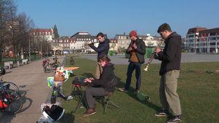 Le tour d'Europe à vélo et en musique de quatre copains d'enfance. (FRANCE 3 / CAPTURE D'ECRAN)