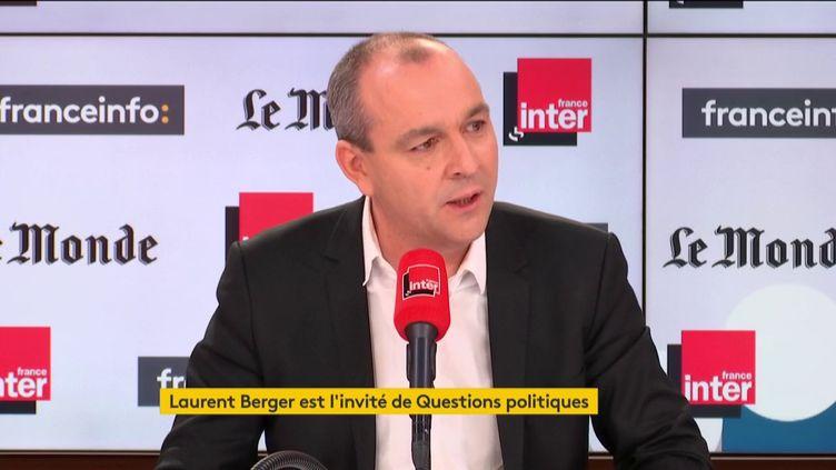 """Laurent Berger était l'invité de """"Questions politiques"""" sur France Inter et franceinfo canal 27. (FRANCEINFO / RADIOFRANCE)"""