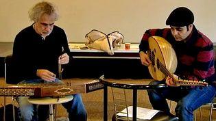 Les musiciens syriens du projet Orpheus répètent à la Saline d'Arc-et-Senans dans le Doubs  (France 3 / Culturebox)