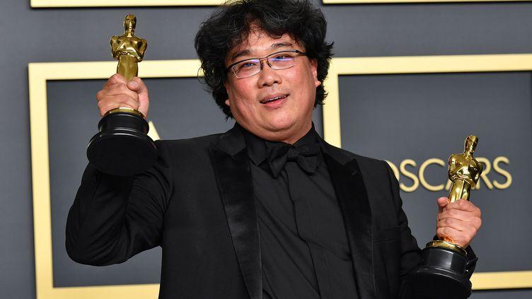 Le cinéaste sud-coréen Bong Joon-ho, le9 février 2020 à Hollywood lors des Oscars. (AMY SUSSMAN / GETTY IMAGES NORTH AMERICA / AFP)