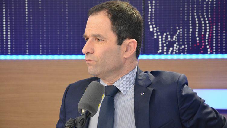 Benoit Hamon,candidat PS à l'élection présidentielle, sur franceinfo le 17 février 2017 (RADIO FRANCE / JEAN-CHRISTOPHE BOURDILLAT)