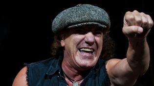 Brian Johnson de AC/DC sur scène en novembre 2009 à Mexico.  (Francisco Vega / AFP)