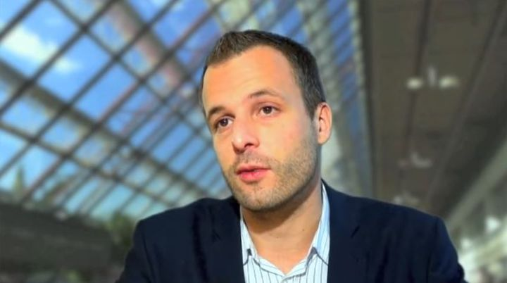 Damien Philippot donne des détails sur une étude de l'Ifop au sujet de l'innovation thérapeutique, dans une vidéo postée sur youtube en 2012. (ASSOCIATION LIR / YOUTUBE)