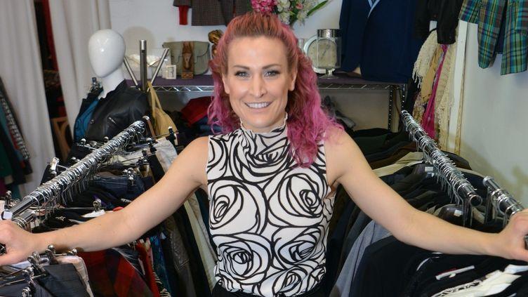Sarah Freeman dans sa boutique au coeur du Sydney en Australie  (PETER PARKS / AFP)