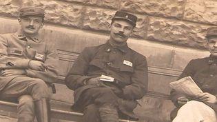 Georges Noël (au centre) en 1917. (FRANCE 3)