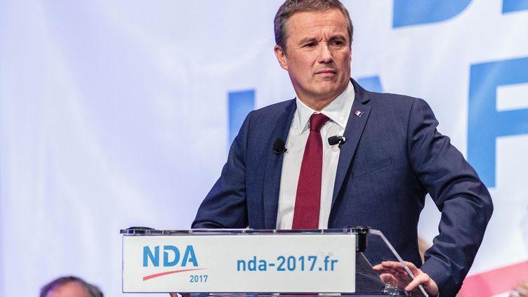 Nicolas Dupont-Aignan lors d'un meeting le 9 mars 2017 à Paris. (CHRISTOPHE BONNET / CITIZENSIDE / AFP)