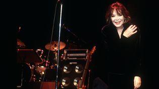 Juliette Greco à Francfort en 2004. (BETTINA SCHWARZWÄLDER / DPA / DPA PICTURE-ALLIANCE VIA AFP)