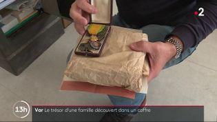 Var : 17 ans après, un collectionneur découvre un trésor caché dans un coffre (France 2)
