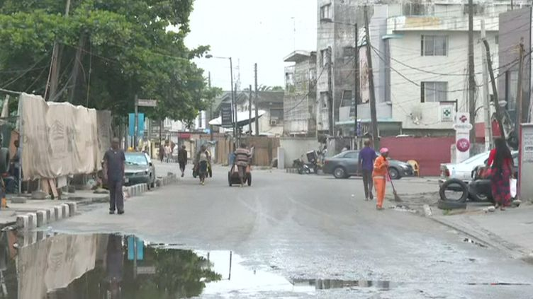 LeNigeria a interdit dimanche 29 mars tout déplacement pour 14 jours dans les villes d'Abuja etLagos (AFP)