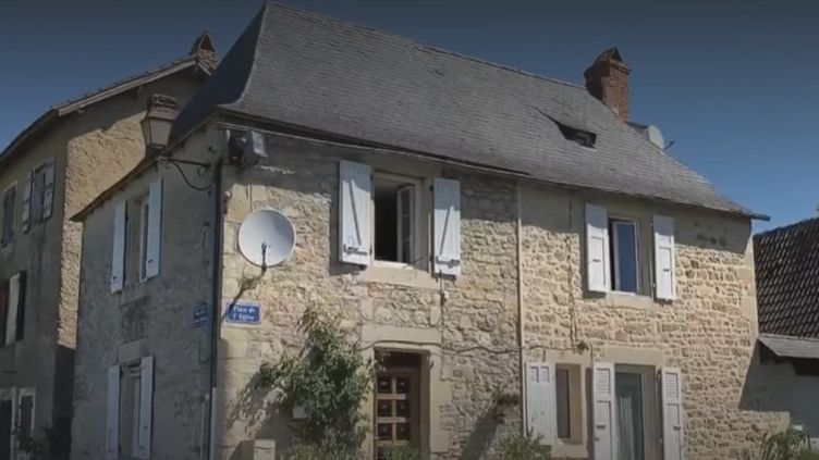 Village (FRANCEINFO)
