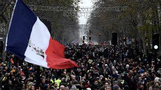 Le cortège de la manifestation contre la réforme des retraites, le 17 décembre 2019 à Paris. (PHILIPPE LOPEZ / AFP)