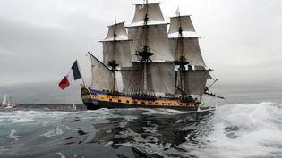 L'Hermione arrive à Brest (Finistère), le 10 août 2015. (FRED TANNEAU / AFP)