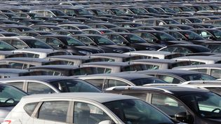 Les immatriculations de voitures neuves en France ont à nouveau chuté en février 2013, selon des chiffres publiés par le Comité des constructeurs français d'automobiles le 1er mars 2013. (ERIC CABANIS / AFP)